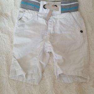Krótkie spodenki białe, rozmiar 74.
